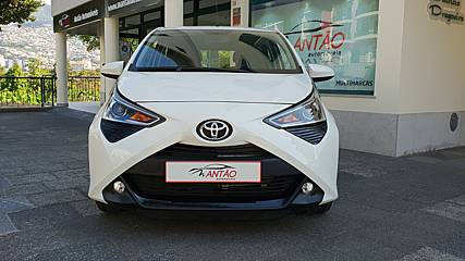 TOYOTA AYGO 1.0 X-PLAY PLUS MMT